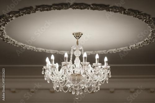 Cuadros en Lienzo Photo of vintage crystal chandelier in the restaurant.