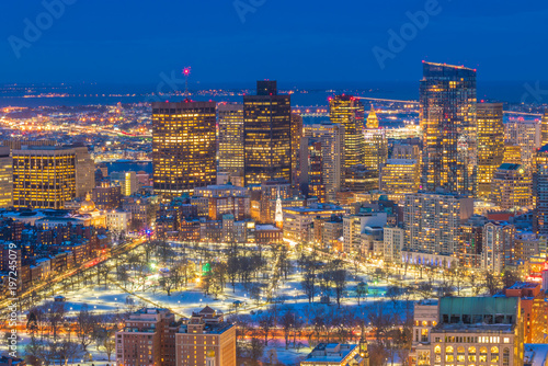 Keuken foto achterwand Verenigde Staten Aerial view of Boston skyline and Boston Common park in Massachusetts, USA at sunset in winter
