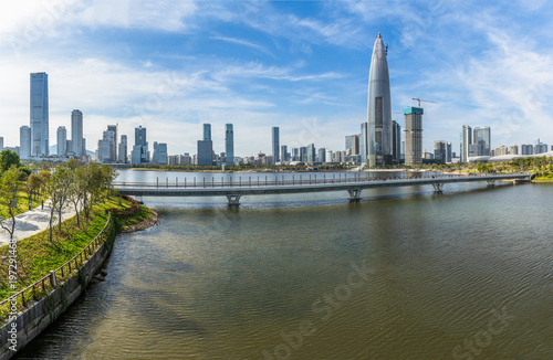 Foto  modern city waterfront downtown skyline,China.