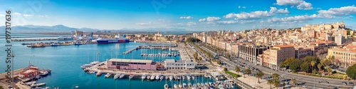 Foto  Panoramic view of Cagliari skyline