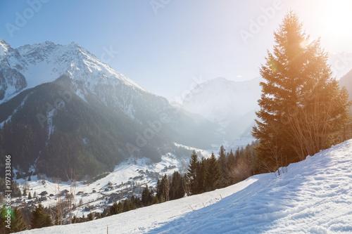 zimny-zimowy-krajobraz-w-austriackich-alpach