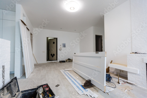 Interior in a new apartment without repair with white door – kaufen ...