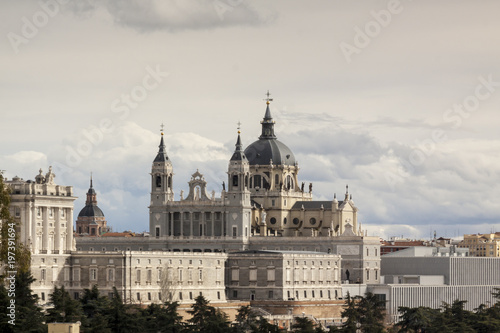 In de dag Moskou Panoramic view of the Almudena Cathedral, Royal Palace in Madrid. Spain