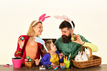 Easter Eggs Family Bunny With ...