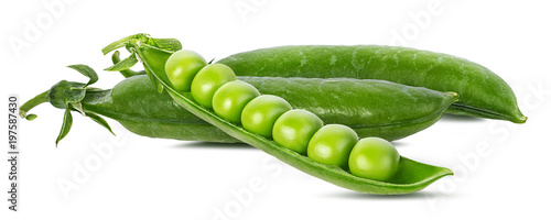 Photo sur Toile Légumes frais peas isolated on white background