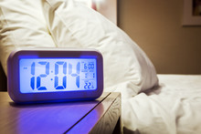 Electronic Alarm Clock Stands ...