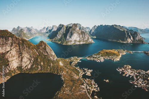 norwegia-krajobrazowy-reinebringen-gory-widok-z-lotu-ptaka