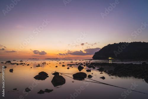 Thailand, Phi Phi Islands, Ko Phi Phi, purple sunset on the beach