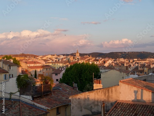 Photo sunset view over Aix en provence