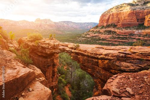 Montage in der Fensternische Arizona Travel in Devil's Bridge Trail, scenic view panoramic landscape, Sedona, Arizona, USA