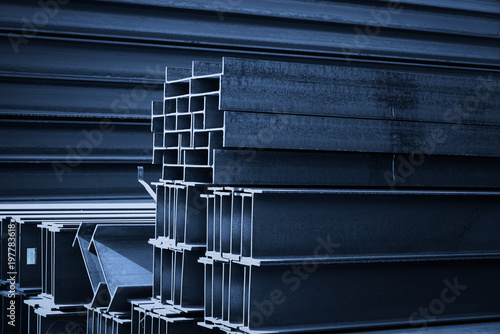 Pinturas sobre lienzo  Steel factory floor, stacked with a lot of steel