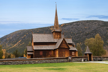 Fototapeta na wymiar Lom Stave Church