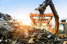 Grab Crane Works In Waste Recy...
