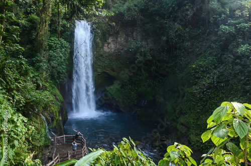Montage in der Fensternische Wasserfalle Waterfall at Costa Rica