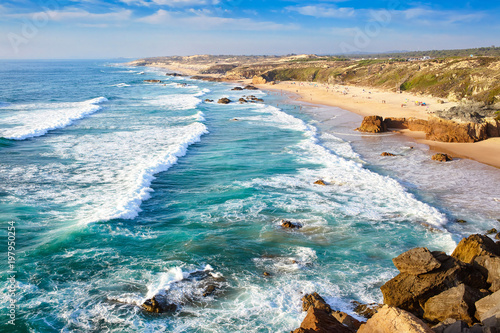 Photo Amazing cliff rocks on the west coast of Portugal in Alentejo region