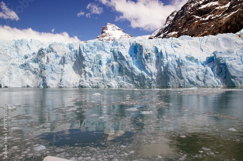 Papiers peints Arctique Spegazzini Glacier view from the Argentino Lake, Argentina