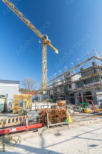 Foto op Plexiglas Stadion Baustelle Kran Haus