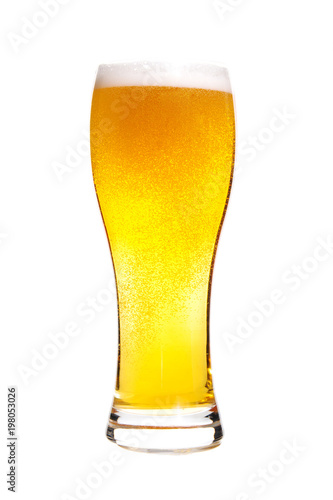 Fotografía  lager draft beer in a glass isolated on white background