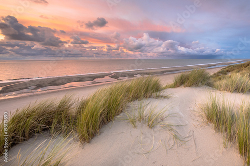 Spoed Foto op Canvas Strand View over North Sea from dune