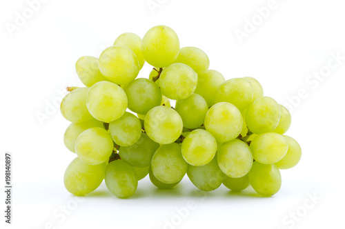 Foto bunch of green grapes isolated on the white background