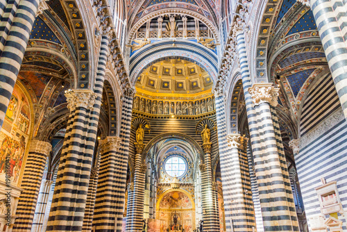 Interior of Siena cathedral (duomo) in Siena, Tuscany, Italy Fototapeta