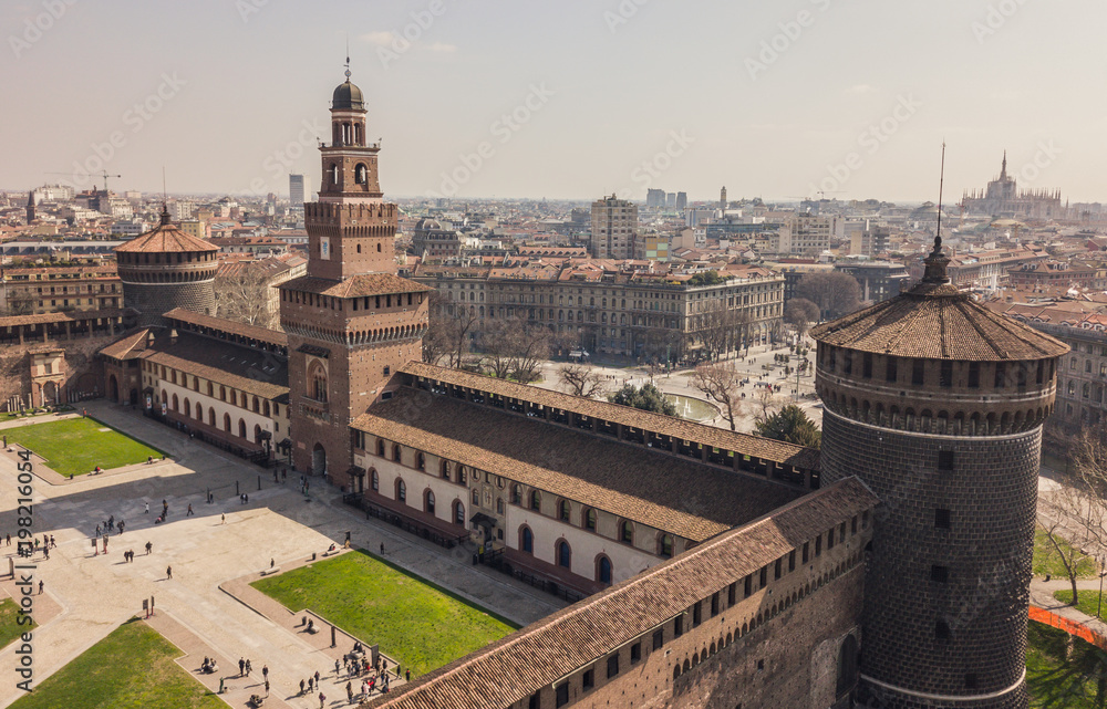 Fototapety, obrazy: Aerial view of Sforzesco Castle in Milan