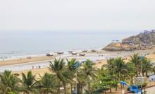 Samson Beach In Thanh Hoa, Vie...