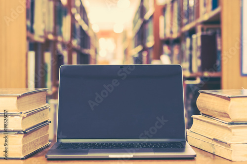 Educational e-learning class and e-book digital technology