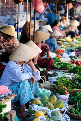 Colour markets in Vietnam