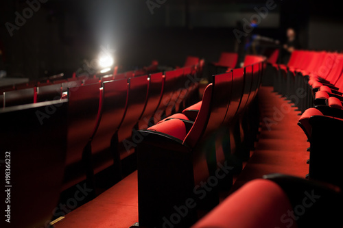 Photo sur Aluminium Opera, Theatre red theater seats