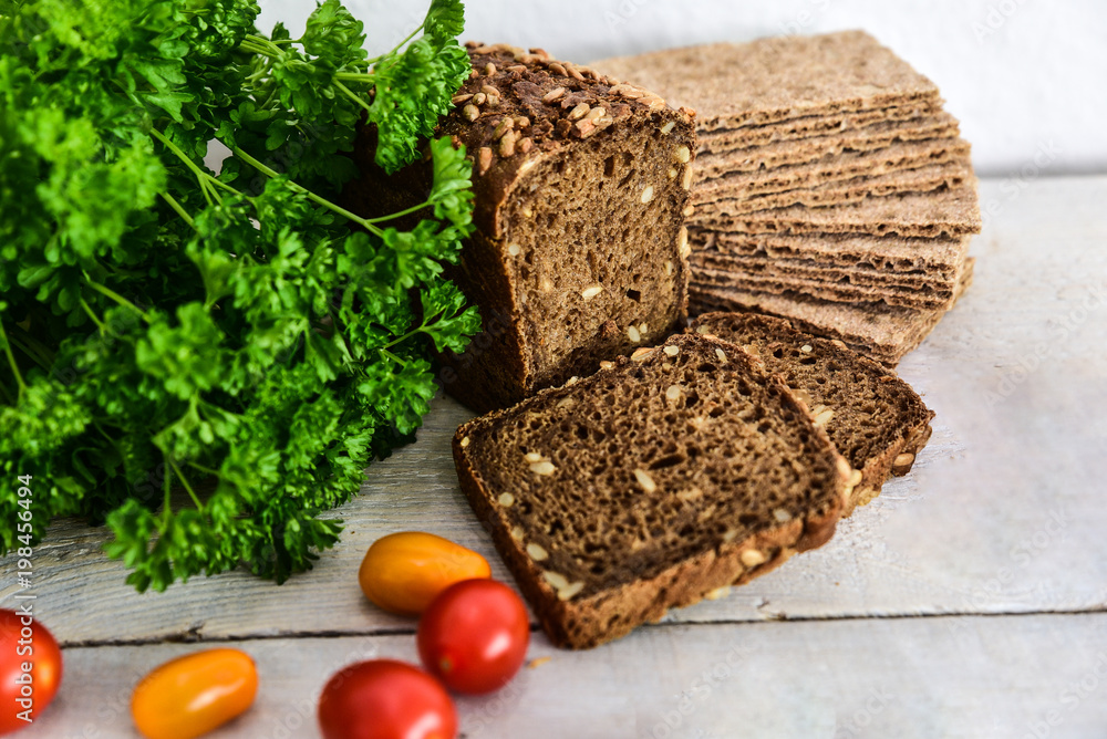 Various types of wholemeal bread and rolls