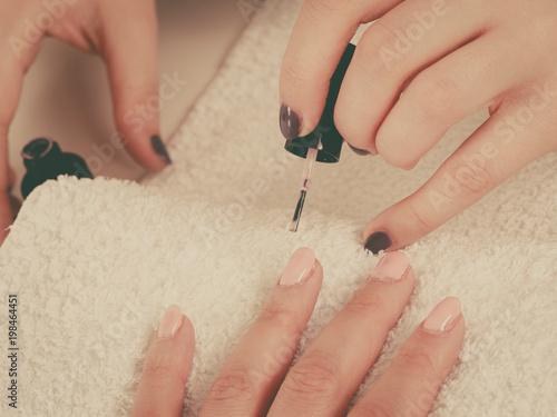 Foto op Canvas Pedicure Woman in beauty salon getting manicure done.