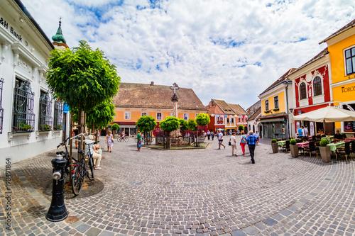 Foto auf Leinwand Altes Gebaude The main square of Szentendre.