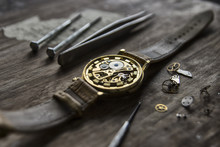 Watchmaker's Workshop, Watch R...