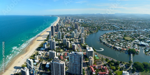 Staande foto Oceanië View over Surfers Paradise and Nerang river in Queensland, Australia.