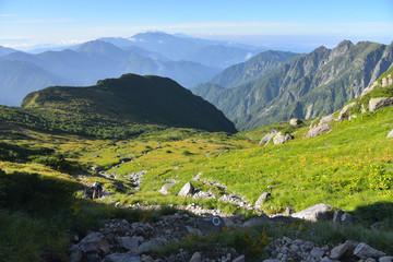 Fototapeta na wymiar 笠ヶ岳の登山道