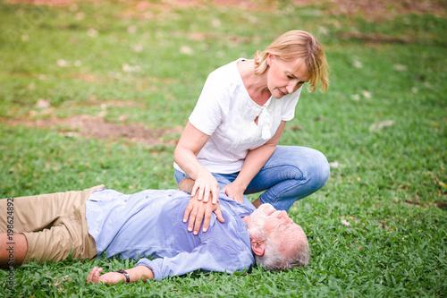 Obraz Senior men cardiac arrest heart - fototapety do salonu
