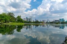 KUALA LUMPUR, MALAYSIA - 30th MARCH 2018; Cloudy And Sunny View Of Kuala Lumpur From Lake Titiwangsa.The Lake Is Located Just Beside The Busy Jalan Tun Razak In The Heart Of Kuala Lumpur, Malaysia.