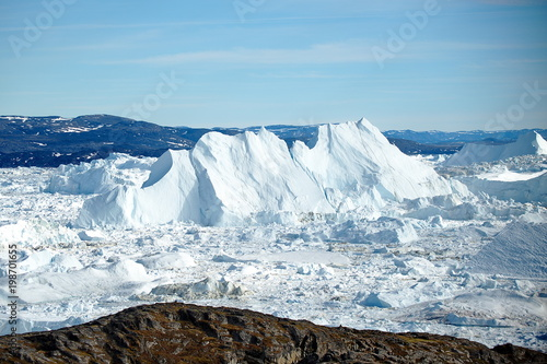Papiers peints Arctique Greenland. Floating icebergs near the coast of Ilulissa