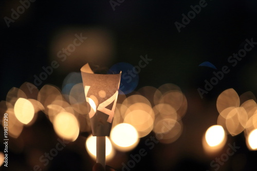 Fotografia  thousands of people attend the Tiananmen square 25th anniversary candlelight vig