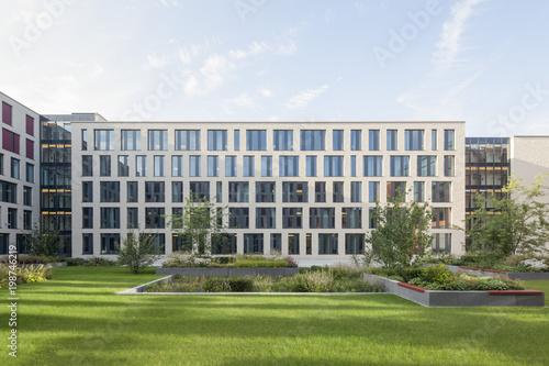 Fotografia Justizzentrum Bochum mit begrüntem Innenhof