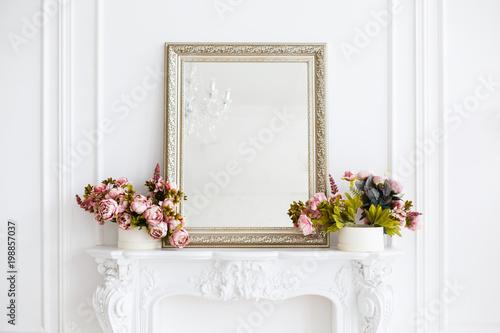 Obraz na płótnie mirror in a classic luxury room