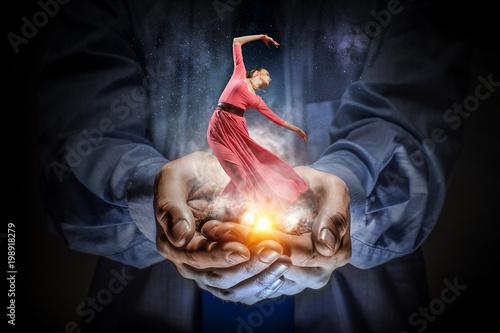 Obraz Taniec to jej pasja, abstrakcja - fototapety do salonu