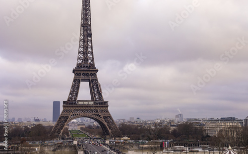 Fototapety, obrazy: Eiffel Tower In The City Of Paris
