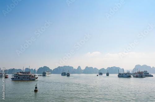 Foto  Halong bay boats