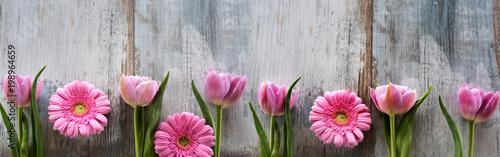 Foto-Schiebegardine ohne Schienensystem - Spring flowers on shabby wood
