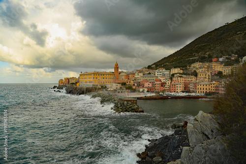 Liguria genova nervi mareggiata sul porticciolo