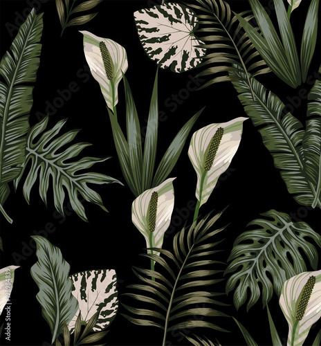 Foto  tropical dark white flowers pattern