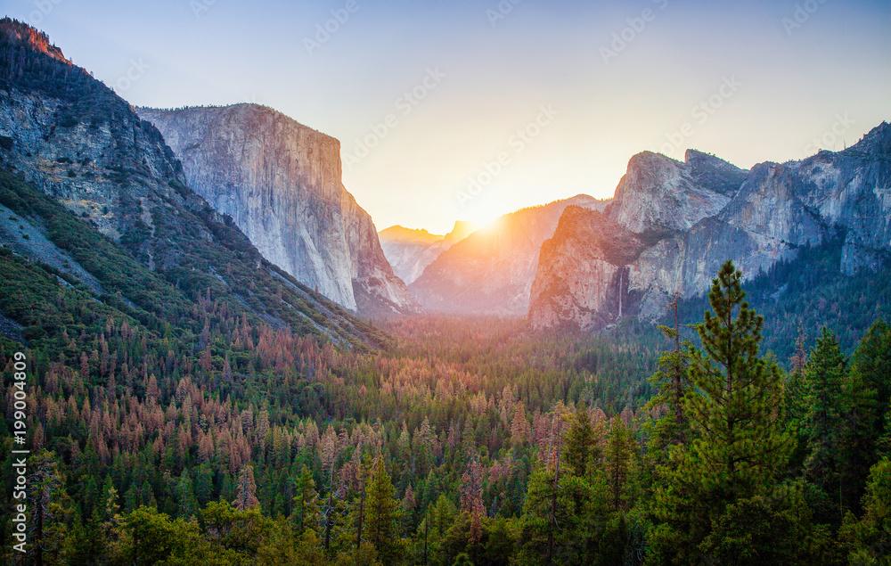 Fototapety, obrazy: Yosemite National Park at sunrise, California, USA