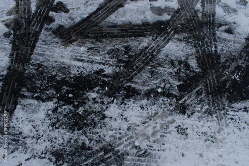 droga-pokryta-sniegiem